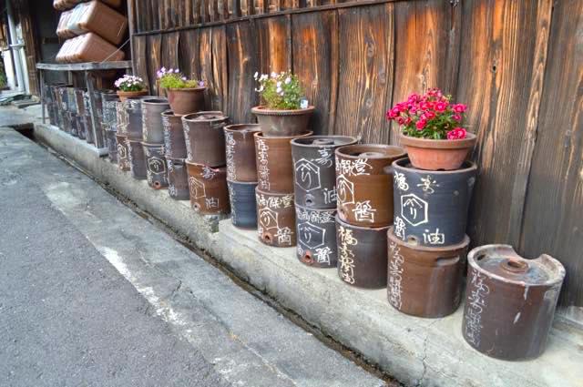 大谷焼の醤油甕